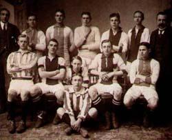 De elftalfoto uit 1911